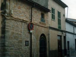 Townhouse to renovate in Llucmajor,