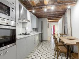 LOVELY FLAT FOR SALE IN THE GOTHIC QUARTER,