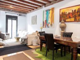 Apartment with Patio in Poblenou,
