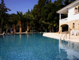 Finca with pool and guest apartment in Selva del Camp,