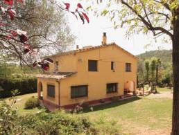 Picture Country finca with 4.6h of land & separate studio and beautiful mountain views-15mins Girona, Girona