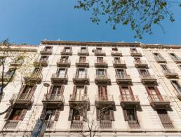 Picture Large property, 2 Apartments in Eixample, Barcelona