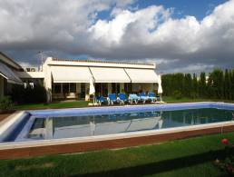 Villa in Marratxí with Mediterranean garden, pool and waterfall,