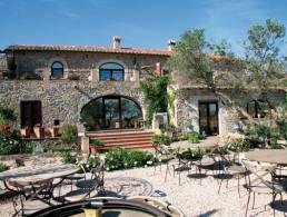 Masia Hotel-Restaurant near Perelada,
