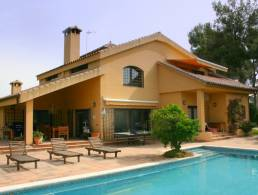 Picture Villa with guest house, pool and bodega in Corbera close to Barcelona, Barcelona