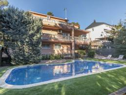 Picture Beautiful House with Pool in Corbera de Llobregat, Barcelona
