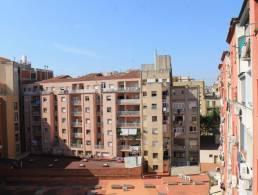Picture Casa pareada esquinera, con amplio jardín. En urbanización Quint Mar, con piscina comunitaria y gara, Barcelona