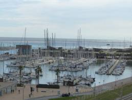 Picture Apartment with pool, terrace with sea views and garage parking in Badalona, Barcelona